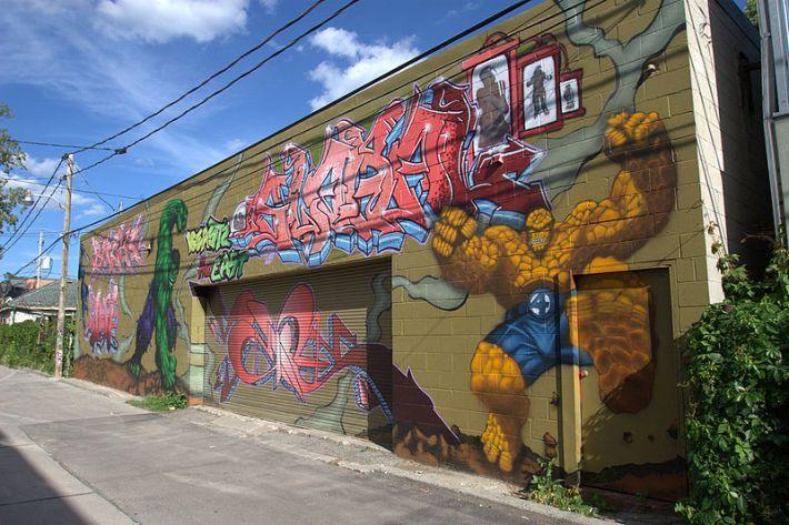 Graffitti on wall